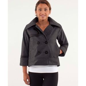 Lululemon Coco Softshell in Black
